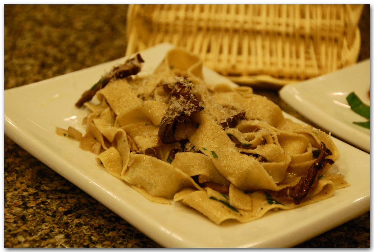 White whole wheat fettucini with porcini mushrooms