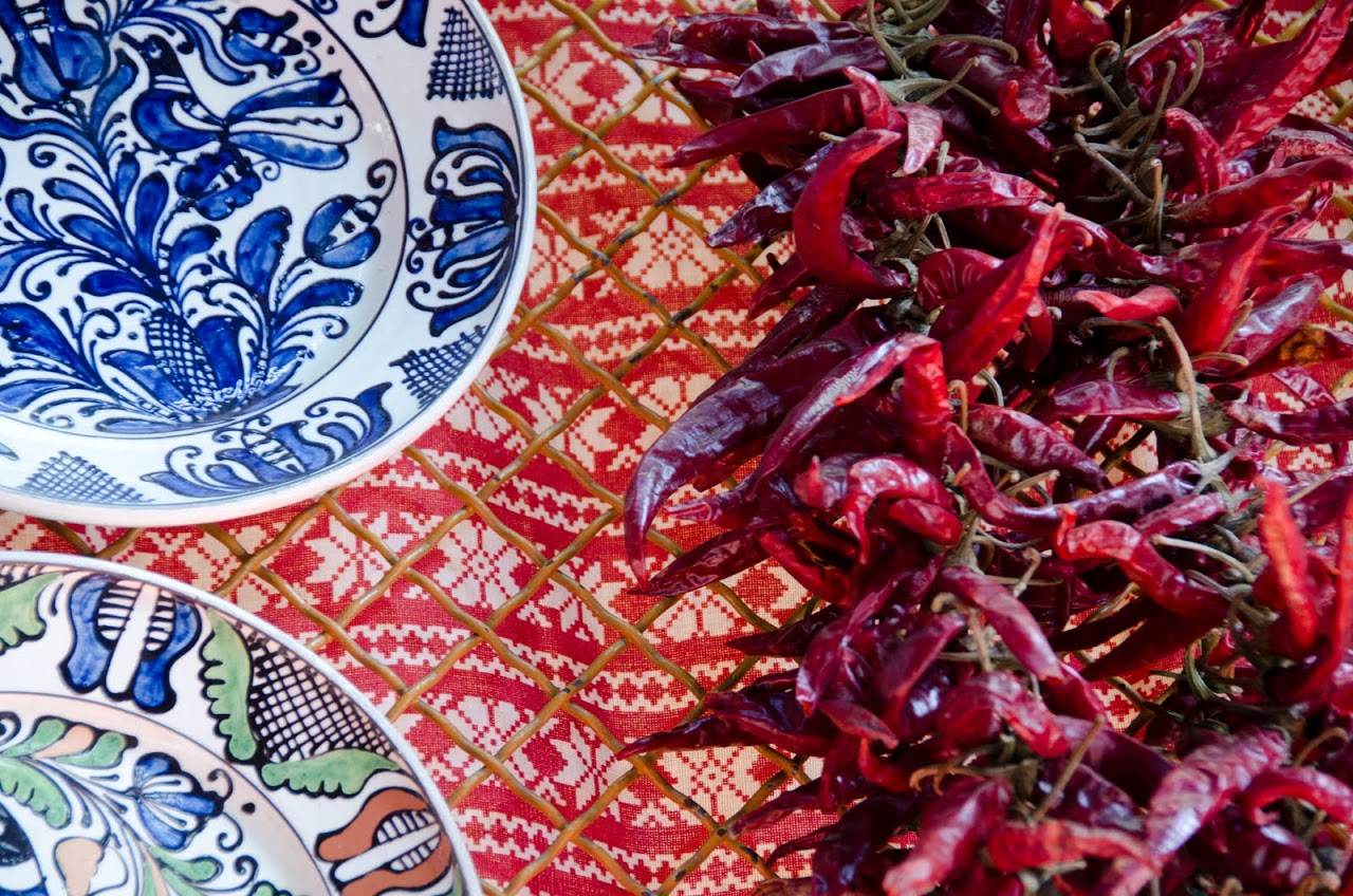 Hungarian dried peppers and ceramics
