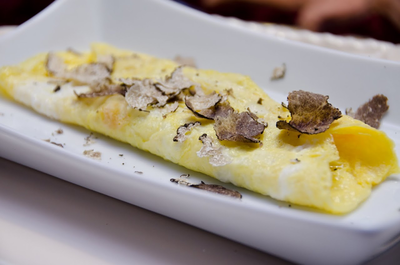 Omelette with truffles
