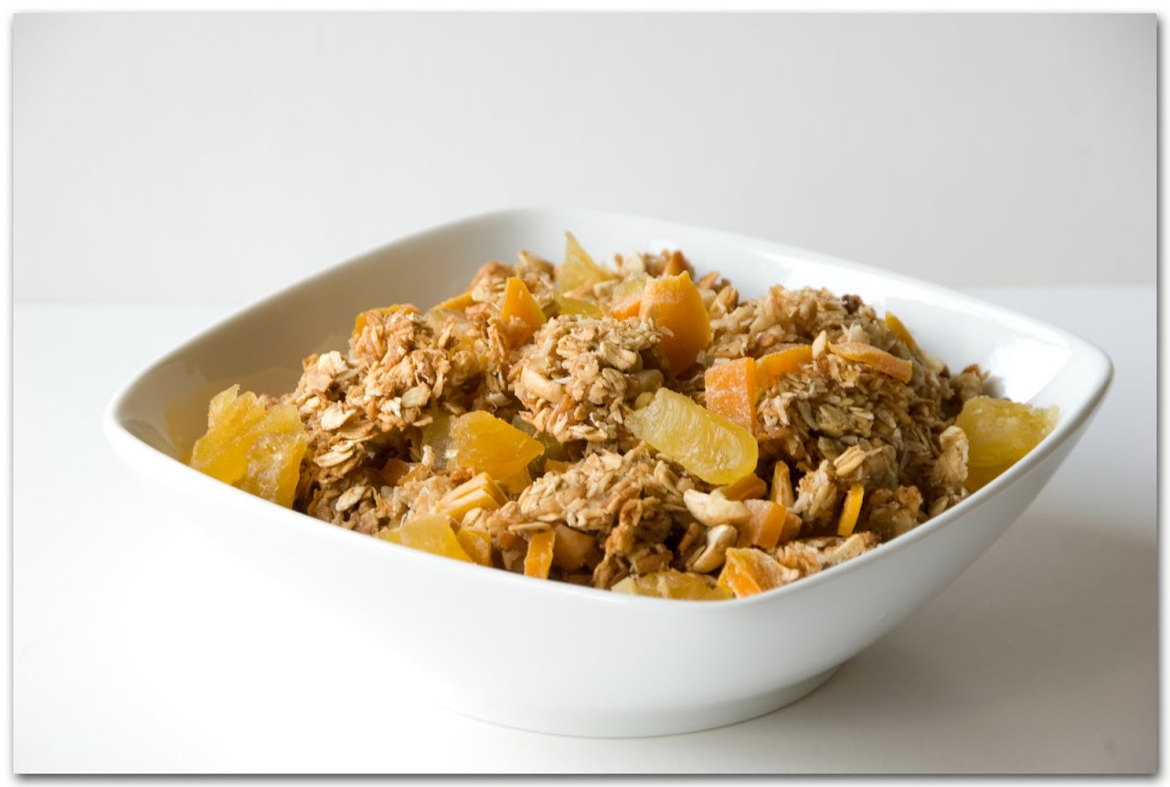 Granola with mango and pineapple